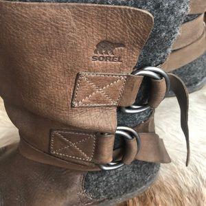 Sorel Chipahko Leather & Felt Strap Boots 10